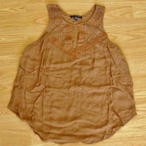 NWOT American Eagle Outfitters Lace Top   Size XS